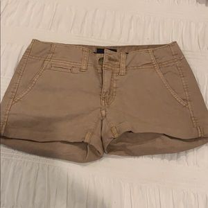 Khaki Shorts (NEW WITHOUT TAGS)